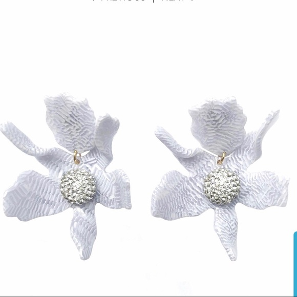 Lele Sadoughi Jewelry - Lele Sadoughi crystal lily earrings